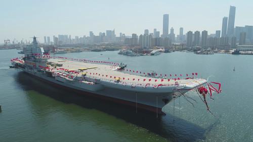 港媒:航母保障船停泊大连港 中国首艘国产航母或即将海试