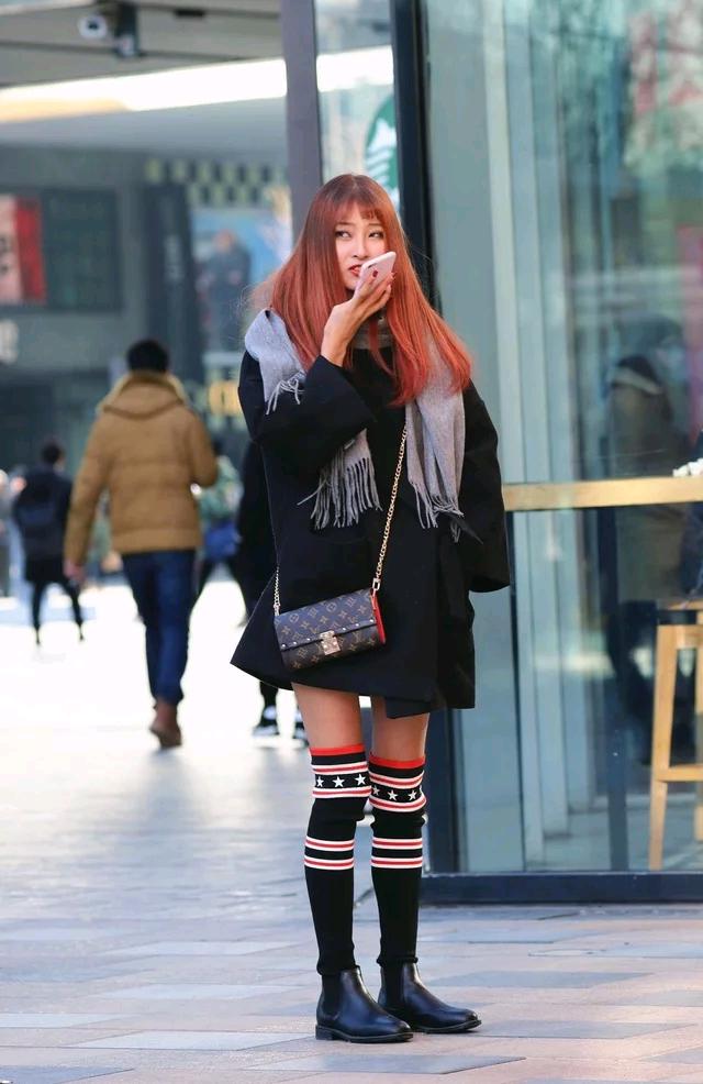 北京街拍:时尚靓丽的美少女