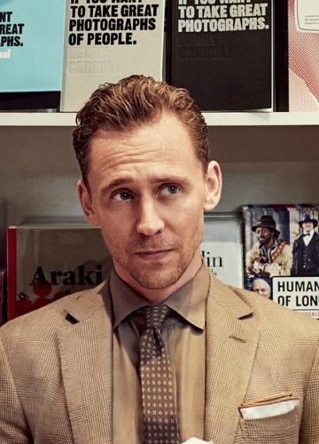 汤姆・希德勒斯顿西装帅气绅士写真